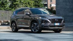 Nuova Hyundai Santa Fe 2019: vista 3/4 lato destro