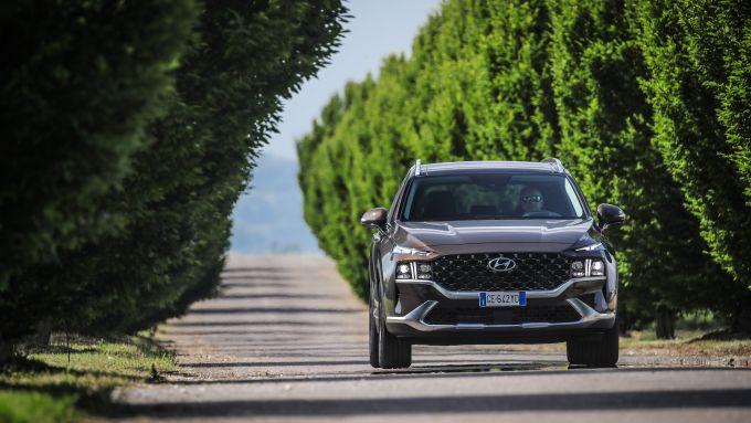 Nuova Hyundai Santa Fe PHEV: grande comfort e filosofia ''green''