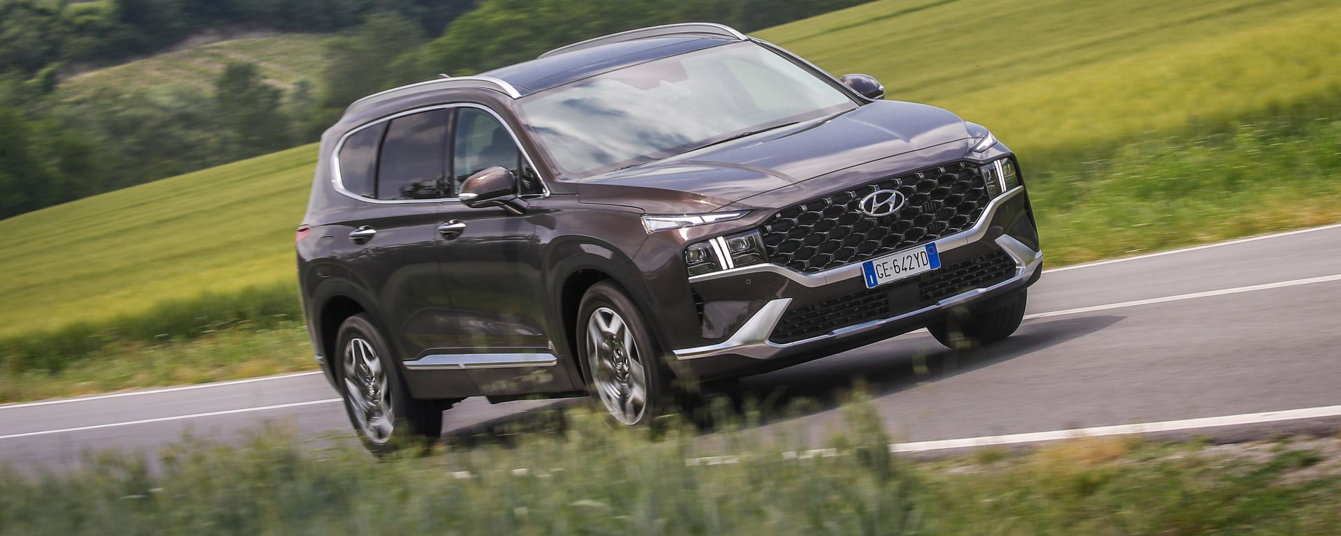 Nuova Hyundai Santa Fe PHEV: il grande SUV coreano anche con motore plug-in hybrid