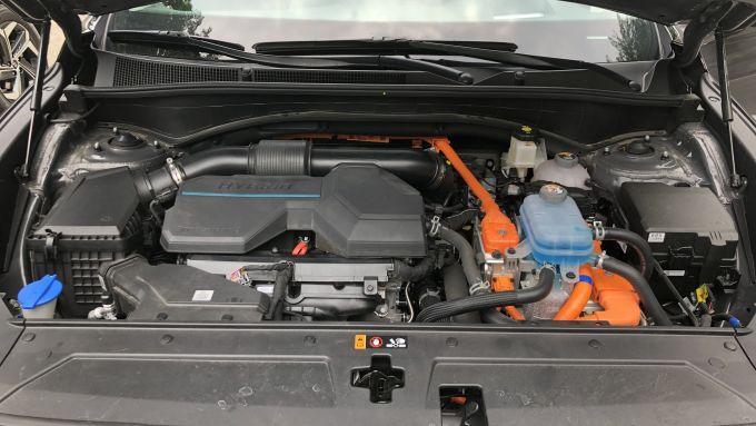 Nuova Hyundai Santa Fe PHEV: il motore ibrido da 265 CV complessivi