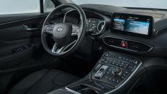 Nuova Hyundai Santa Fe PHEV: l'abitacolo spazioso e lussuoso