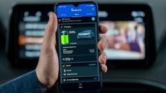 Nuova Hyundai Santa Fe PHEV: l'app per smartphone SmartLink per la gestione da remoto del SUV