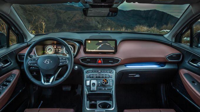 Nuova Hyundai Santa Fe: rinnovati anche gli interni