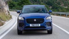 Jaguar E-Pace restyling, nuovo look e (ovvio) il plug-in hybrid - Immagine: 5