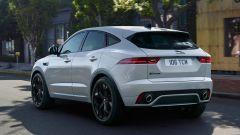 Jaguar E-Pace restyling, nuovo look e (ovvio) il plug-in hybrid - Immagine: 8