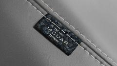 Jaguar E-Pace restyling, nuovo look e (ovvio) il plug-in hybrid - Immagine: 14
