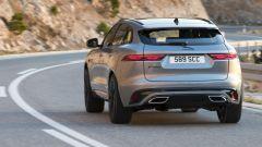 Jaguar F-Pace facelift, nuovi interni e due motori ibridi - Immagine: 3