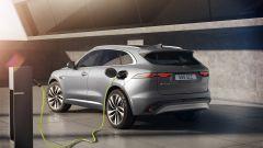 Jaguar F-Pace facelift, nuovi interni e due motori ibridi - Immagine: 5
