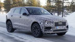 Nuova Jaguar F-Pace: ancora molto camuffato il muletto del SUV
