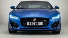 Nuova Jaguar F-Type 2020: la firma luminosa degli inediti proiettori a LED