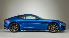 Nuova Jaguar F-Type 2020: una vista laterale ne mostra bene le proporzioni