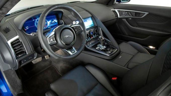 Nuova Jaguar F-Type: abitacolo rivisto e strumenti digitali