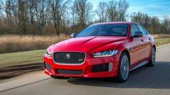 Jaguar XE 300 Sport Edition, la potenza si fa in quattro - Immagine: 2