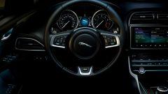 Jaguar XE 300 Sport Edition, la potenza si fa in quattro - Immagine: 5