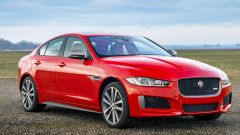 Jaguar XE 300 Sport Edition, la potenza si fa in quattro - Immagine: 6