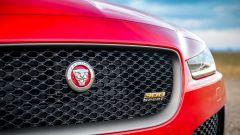 Jaguar XE 300 Sport Edition, la potenza si fa in quattro - Immagine: 11