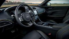 Jaguar XE 300 Sport Edition, la potenza si fa in quattro - Immagine: 15