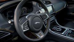 Jaguar XE 300 Sport Edition, la potenza si fa in quattro - Immagine: 16