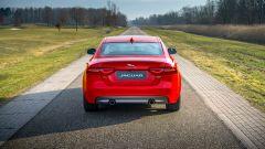 Jaguar XE 300 Sport Edition, la potenza si fa in quattro - Immagine: 18