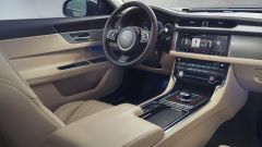 Nuova Jaguar XF Sportbrake: la plancia