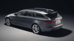 Nuova Jaguar XF Sportbrake: vista 3/4 posteriore