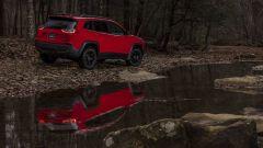 Nuova Jeep Cherokee Trailhawk: vista 3/4 posteriore