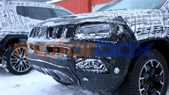 Nuova Jeep Compass 2021: il frontale rivisto nel paraurti e nei gruppi ottici a LED