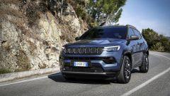 Nuova Jeep Compass 2021: la 80° Anniversario, vista di 3/4 anteriore