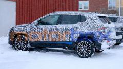 Nuova Jeep Compass 2021: una vista di profilo del SUV compatto di Jeep