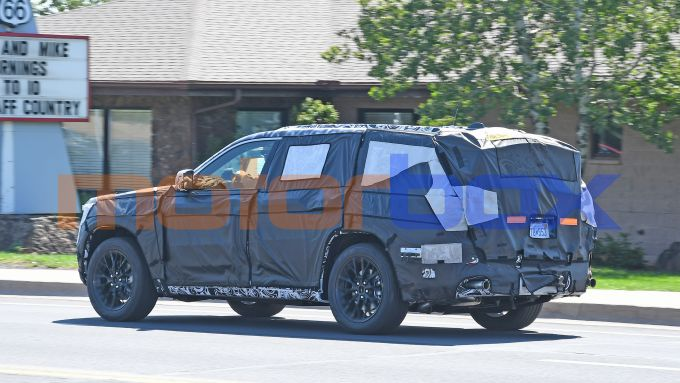 Nuova Jeep Grand Cherokee 2021: i muletti pizzicati sulle strade americane