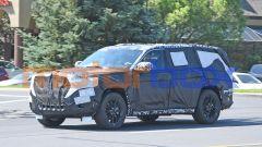 NUova Jeep Grand Cherokee: i prototipi pizzicati su strada