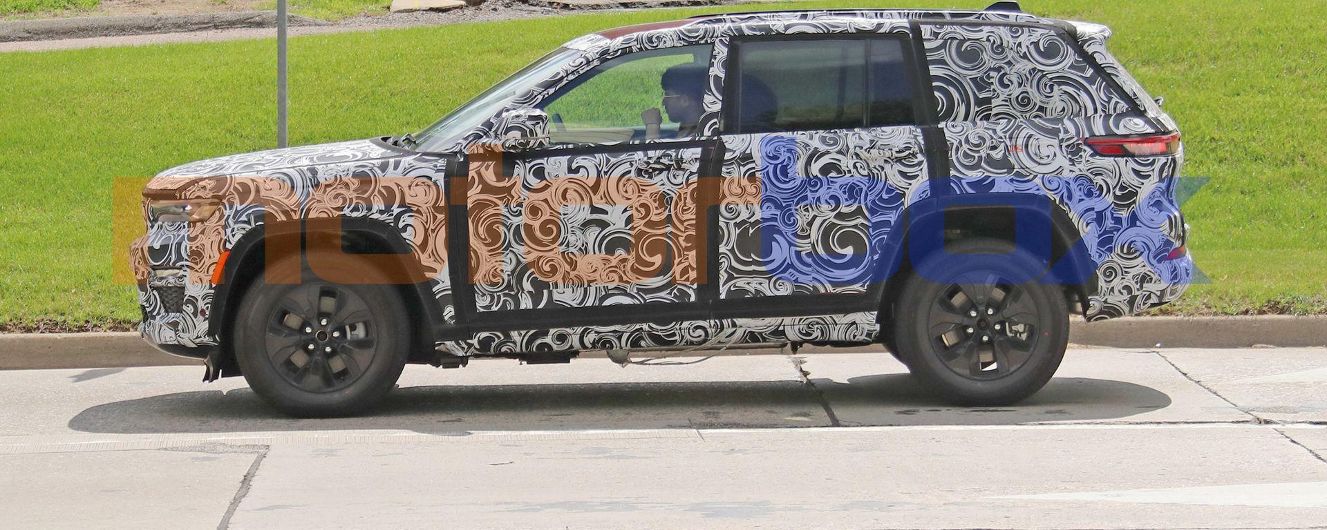 Nuova Jeep Grand Cherokee passo corto 4xe: quasi pronta al debutto la 4x4 americana