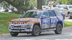 Nuova Jeep Grand Cherokee passo corto 4xe: stile più equilibrato ma 2 posti in meno