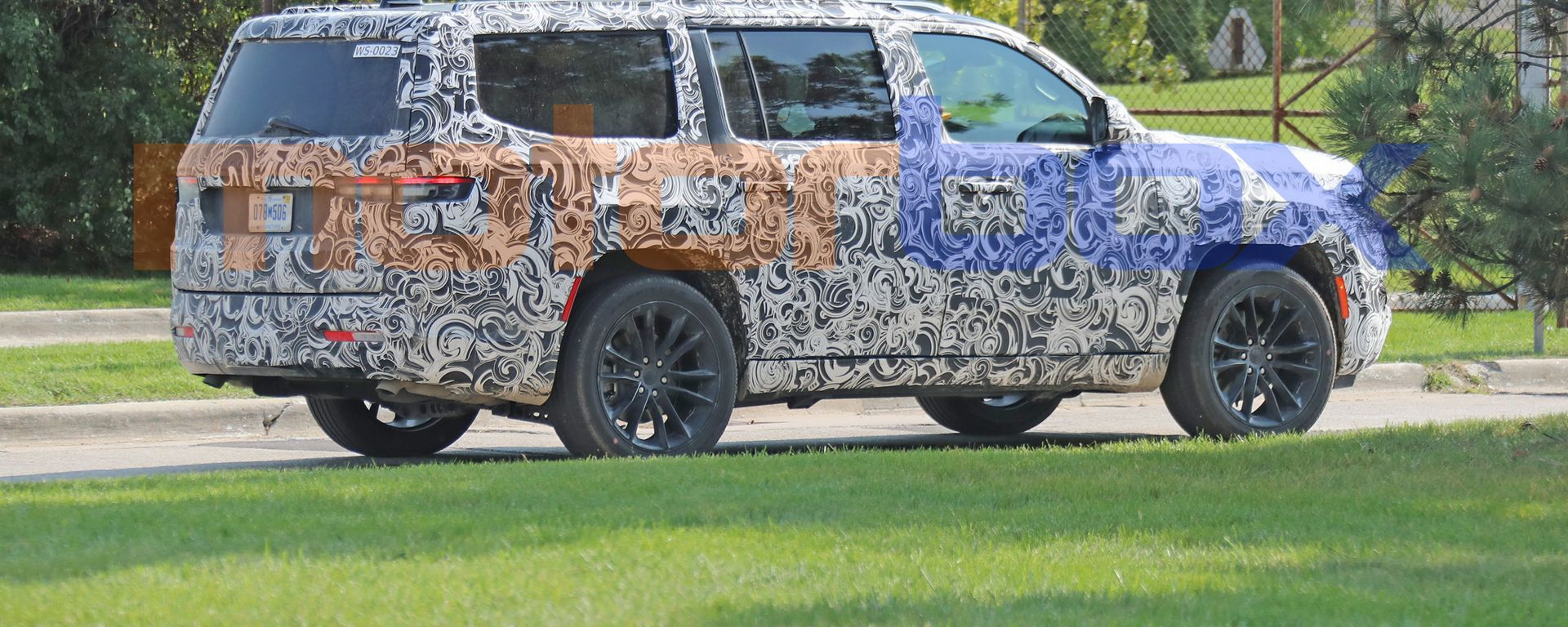 Nuova Jeep Grand Wagoneer, foto spia
