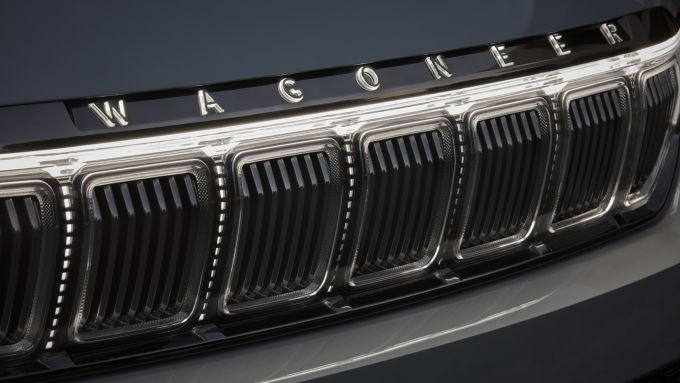 Nuova Jeep Grand Wagoneer, la caratteristica griglia a 7 feritoie