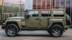 Nuova Jeep Wrangler Black Hawk Expedition: laterale