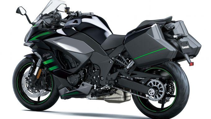 Nuova Kawasaki Ninja 1000sx: le valigie laterali per il turismo a lungo raggio
