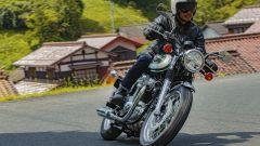 Nuova Kawasaki W800 in azione