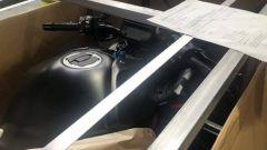 Nuova Kawasaki Z-H2: serbatoio e strumentazione