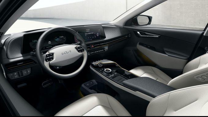 Nuova Kia EV6: l'abitacolo spazioso e ''tecnologico''