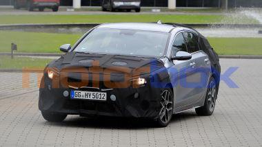 Nuova Kia ProCeed: le foto ''rubate'' mostrano il design sotto copertura