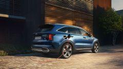 Nuova Kia Sorento Plug-in Hybrid: visuale di 3/4 posteriore