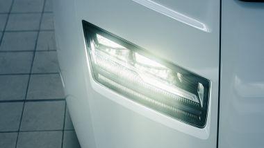 Nuova Lamborghini Countach 2022, le luci anteriori