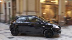 Lancia Ypsilon Black & Noir, citycar in abito da sera - Immagine: 2