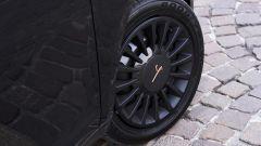Lancia Ypsilon Black & Noir, citycar in abito da sera - Immagine: 14
