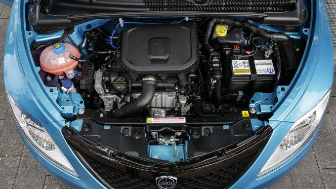 Nuova Lancia Ypsilon Hybrid: il 3 cilindri elettrificato assicura ridotti consumi di benzina