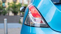 Nuova Lancia Ypsilon Hybrid: il taglio ancora originale e gradevole dei fari posteriori