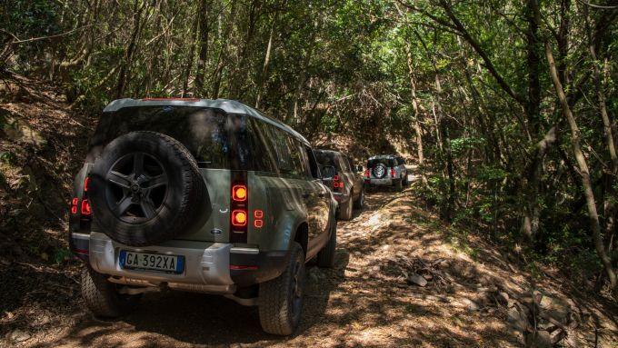 Nuova Land Rover Defender 110, le luci posteriori