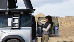 Nuova Land Rover Defender 2020: il portellone posteriore