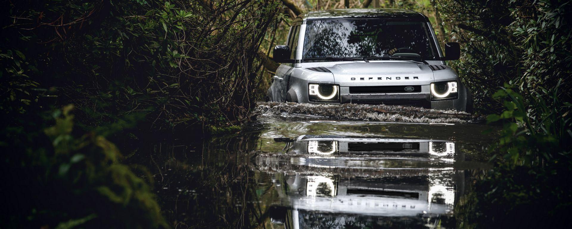 Nuova Land Rover Defender 2020: la profondità massima di guado è 90 cm